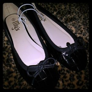 New Boutique Black Patent Flats Shoes by Lily
